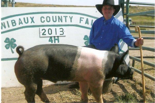 Cooper & his blue ribbon pig