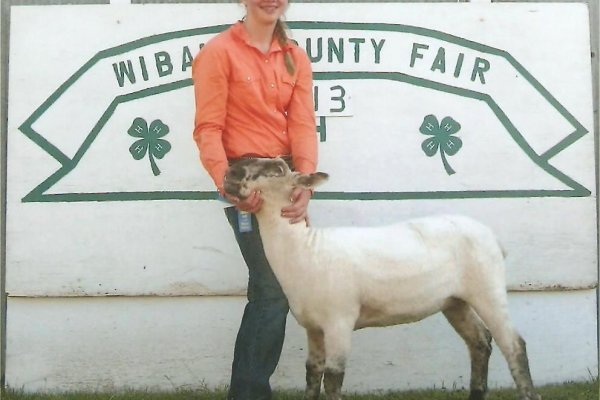 Hope & her 3rd place blue ribbon sheep